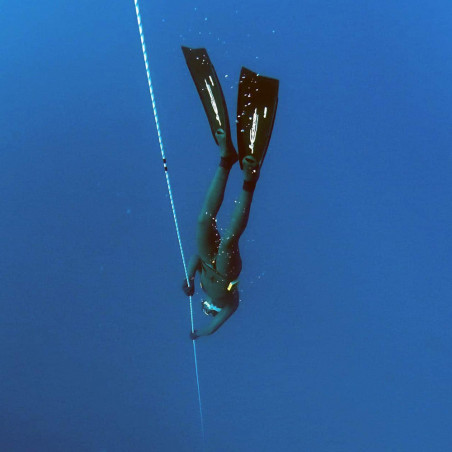 Freediver - En fosse de plongée.
